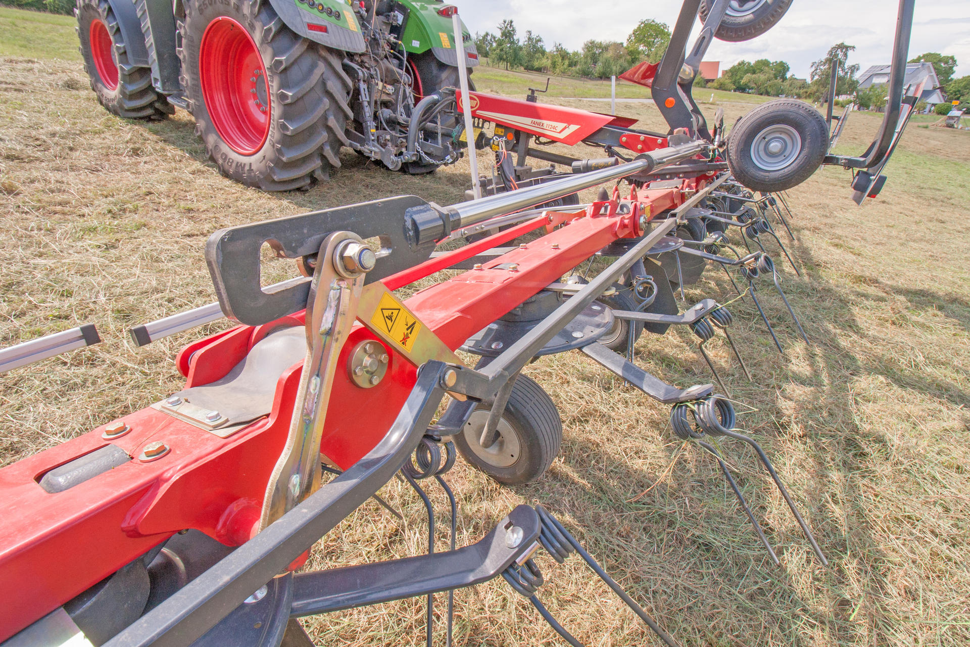 Vicon Fanex 904c 1124c New Carrier Frame Tedders Rakes And Control System For An On 424 International Tractor Hydraulics Diagram Vi Fanex1124c 17 Cover