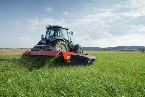 Mower conditioner with high performance combined low weight and power requirements