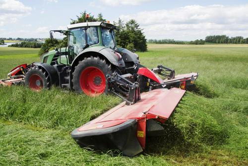 Vicon EXTRA 7100T Vario - 7100R Vario - Efficient Butterfly Mower Combination