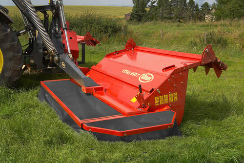 Centre suspended mowing units