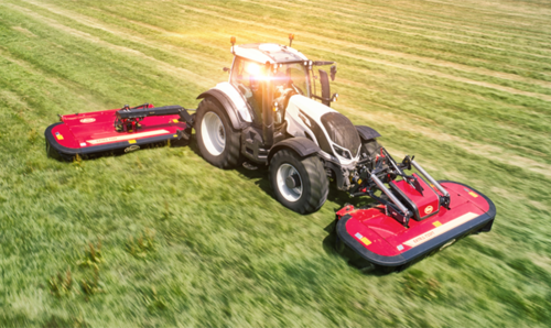 Improved Ground Tracking and New Level of Operator Comfort with ProLink Front Mounted Mower Conditioners