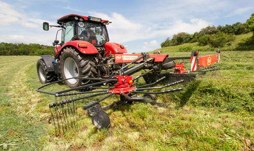 New Compact Mounted and Trailed Twin Rotor Rake
