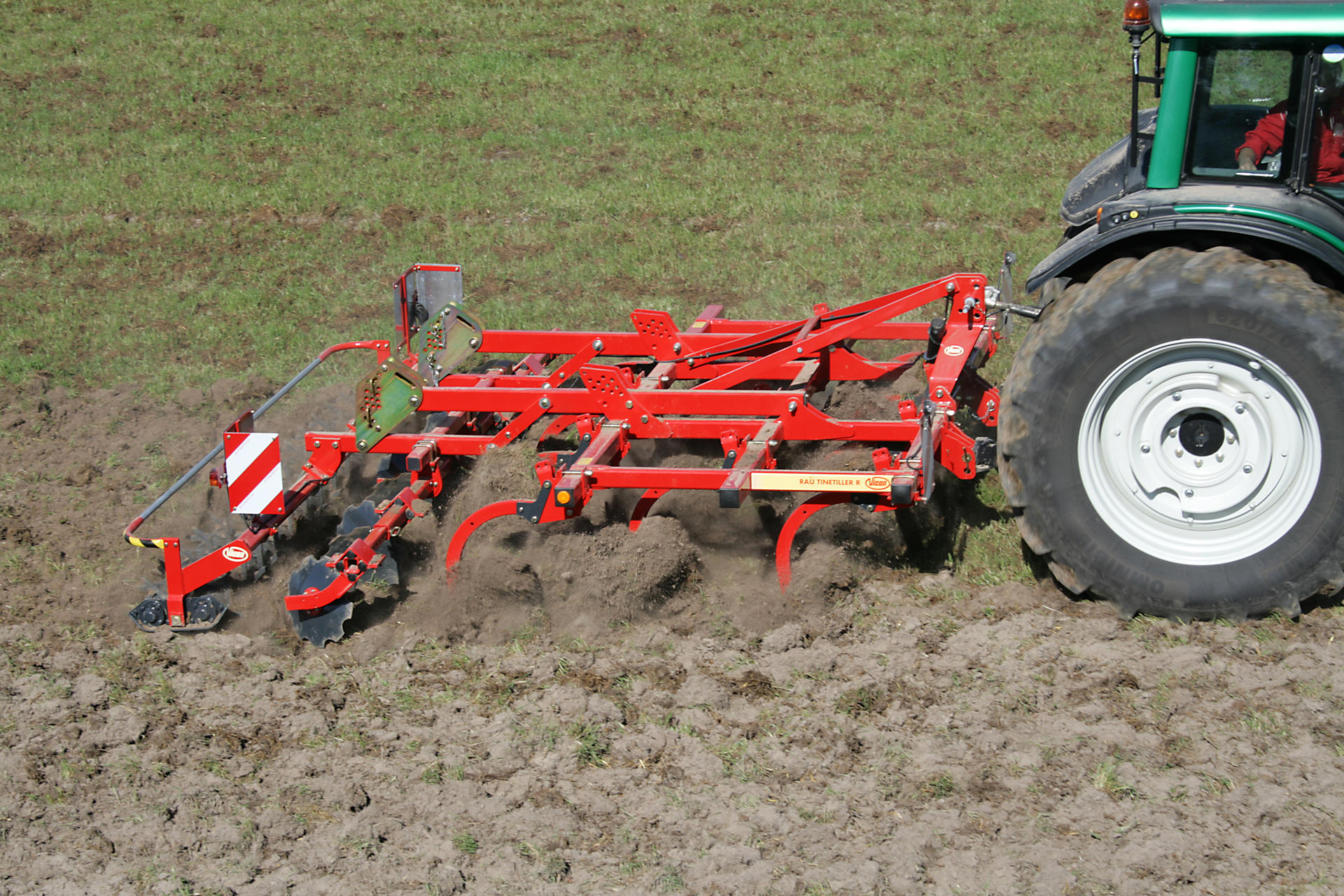 Vicon tinetiller r fr s fs vicon stubble cultivators for Soil utensils