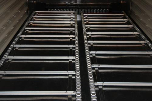 heavy-duty chain-and-slat conveyor