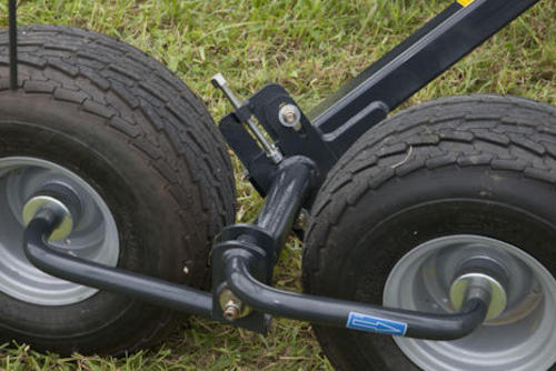 Tandem axles ensures excellent ground following.